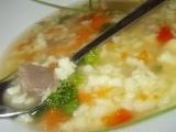 Domácí polévka z krůtích krků a žaludků s drobenkou recept ...