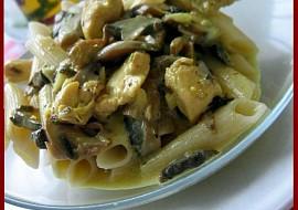 Kari těstoviny s kuřecím masem recept