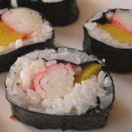 Krabí suši s broskví recept
