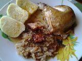 Pečené kuře, plněné kysaným zelím recept