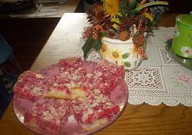 Rybízový,hrnečkový koláč s drobenkou recept