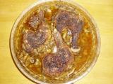 Pečená kuřecí stehna na žampionech recept