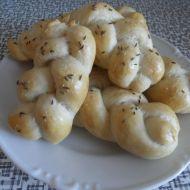 Houstičky s česnekem recept