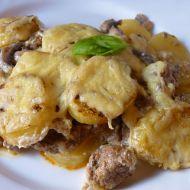 Vepřové maso zapečené s brambory a žampiony recept