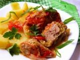 Kapustové závitky s paprikovým krémem a rajčaty recept ...