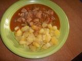 Vepřové maso se zeleninou a opékanými brambory recept ...