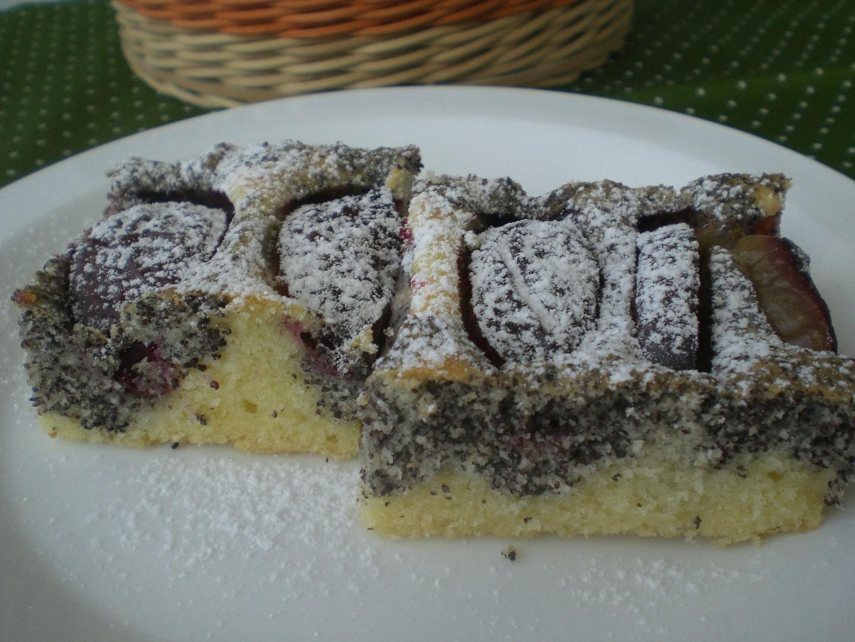 Makový koláč s ovocem recept