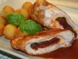Kuřecí roládky s rajčatovým středem a omáčkou recept ...