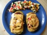 Zapečené brambory se salámem a sýrem recept