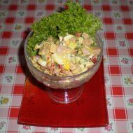 Rychlý zeleninový salát s uzeninou recept