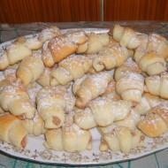 Kynuté rohlíčky s ořechovou nádivkou recept