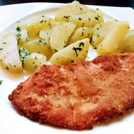 Smažený sírovec obyčejný s petrželovými brambory recept