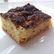Jablkový kynutý koláč s mákem recept