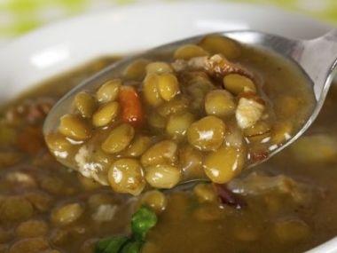 Čočková polévka s kysaným zelím (romský recept)