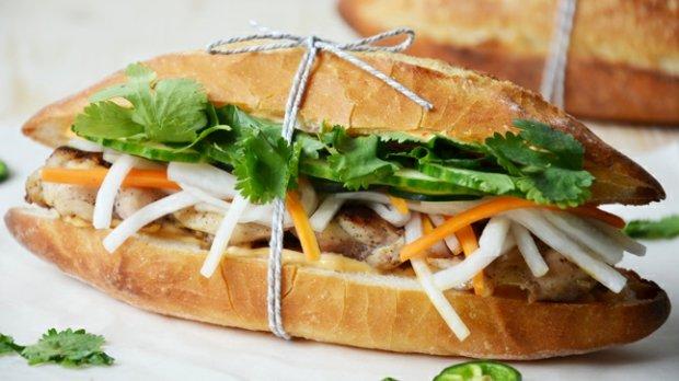 Bánh mì s grilovaným kuřecím masem