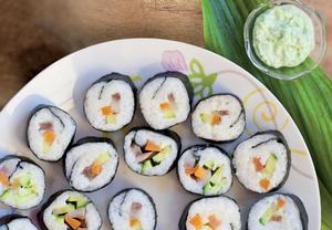 Suši s rybou a zeleninou