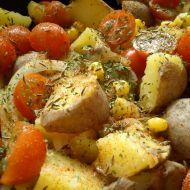 Brambory pečené s cibulí a rajčaty recept