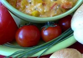 Sýrová ohnivá pomazánka s rajčátkama a chilli papričkama recept ...
