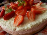 Dvoubarevný (jahodový a kokosový) nepečený cheesecake recept ...
