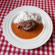 Krůtí stehna s rajčatovo-hráškovou omáčkou recept