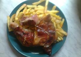 Pečená kuřecí stehna s anglickou slaninou recept