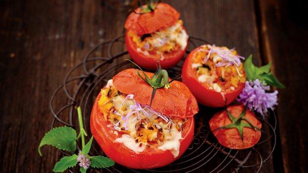 Pečená plněná rajčata