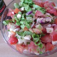Míchaný salát s červenou cibulí recept