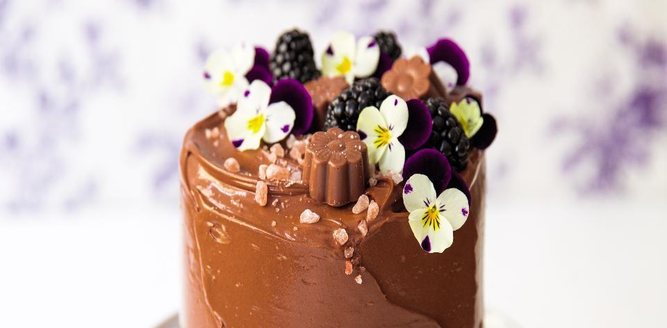 Srolovaný čokoládový dort