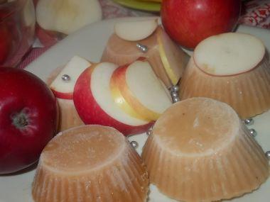 Šťavnatý sorbet z jablek, medu, mandarinkové a citronové šťávy ...