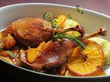 Recept Kachní prsa na pomerančích s mandlemi