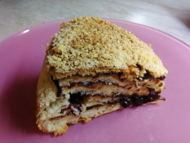 Vrstvený kynutý koláč  povidlový (vhodný do domácí pekárny ...