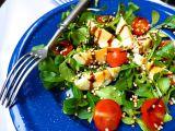 Salát z polníčku s vejcem, rajčátky a pufovanou Quinoa recept ...