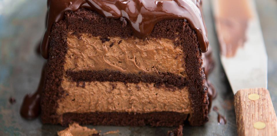 Dort z čokoládové pěny