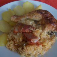 Kuřecí stehna na zelí recept