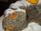 Maková bábovka s perníkem a meruňkami recept