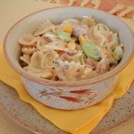 Těstovinový salát s tuňákem a pórkem recept