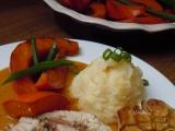 Krůtí prso na bylinkách s glazovanou dýní a bramborovou kaší ...