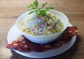 Rýžový salát s krabími tyčinkami recept