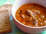 Segedínský guláš s houbami recept