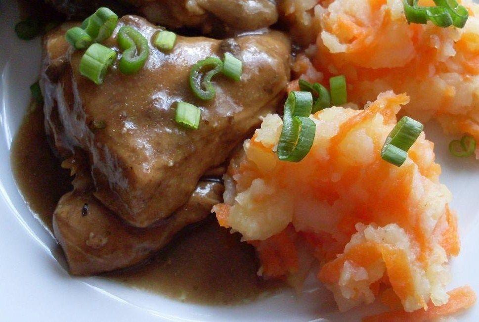 Česnekové kuře + šťouchané brambory s mrkví recept  TopRecepty ...