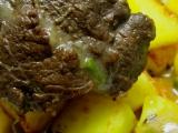 Hovězí líčka dušená v kořenové zelenině s červeným vínem recept ...