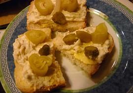 Jemná brynzová s tvarohem a česnekem recept