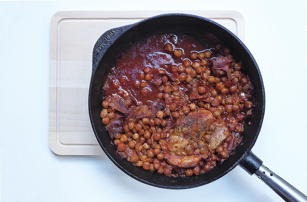 Paprikové kuře s chorizem a cizrnou recept