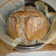 Chléb pečený v kastrolu recept