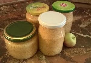 Zavařená strouhaná jablka do štrůdlu
