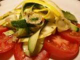 Cuketový salát s horkou zálivkou recept