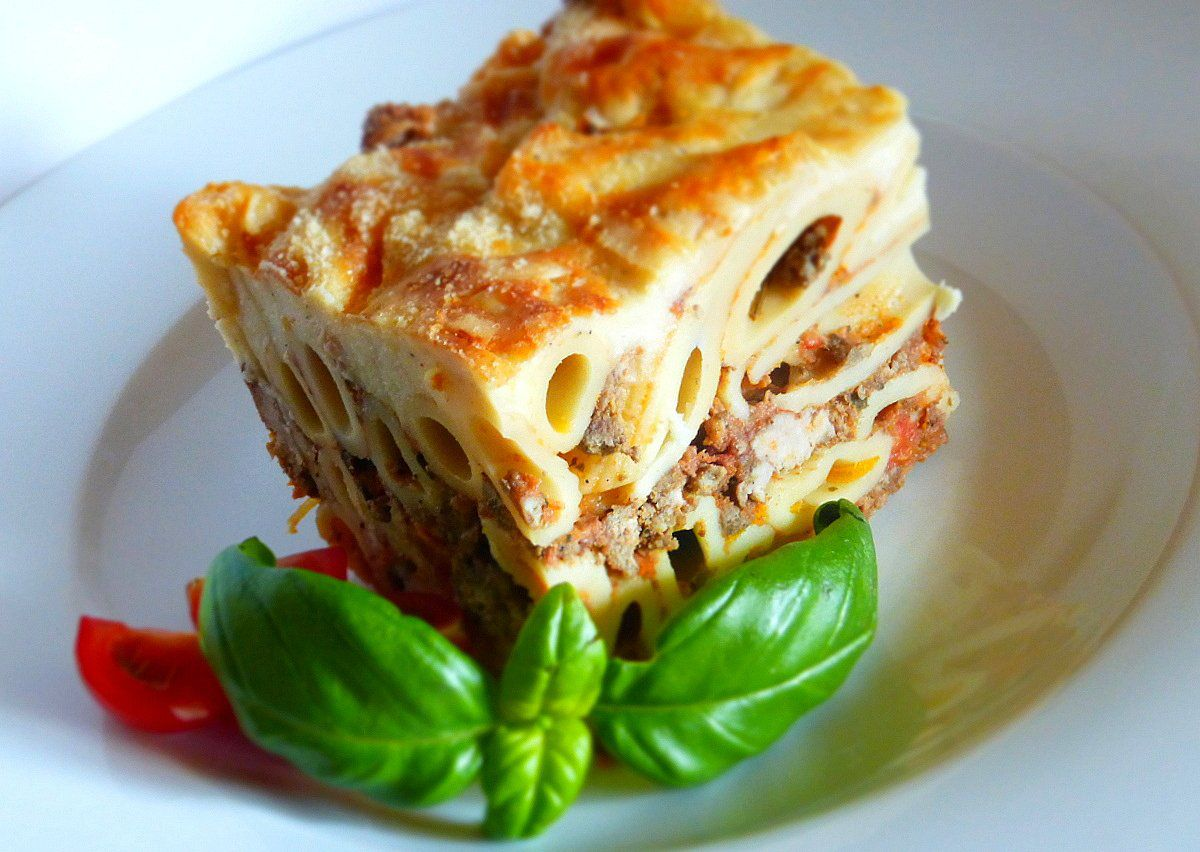 Pasticcio di pasta (Těstoviny zapečné s ragú a sýrovým bešamelem ...
