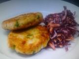 Pikantní rybí karbanátky se salátem z červeného zelí od Zdeňka ...