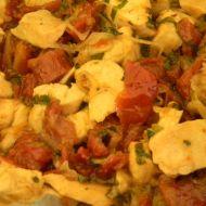 Krůtí nudličky s olivami a sušenými rajčaty recept