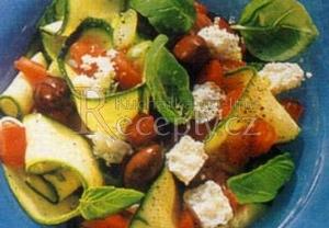Cuketový salát s balkánským sýrem